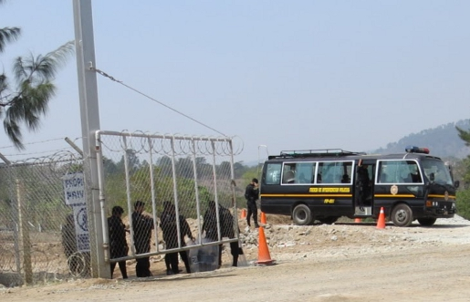 Security forces guard the Tahoe Resources project site in mid-April. Photo credit: Resistencia Pacífica El Escobal