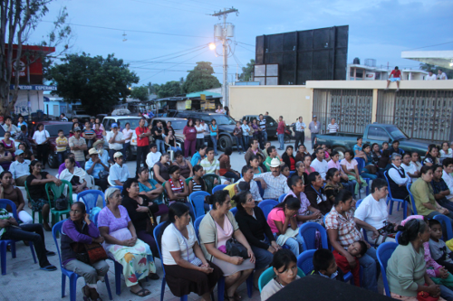 Members of Sunday evening's celebration of life, peace and defense of the earth, San José del Golfo, Guatemala. Photo: Pedersen, 2013.