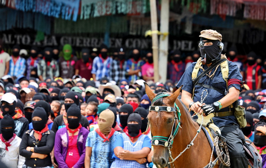 essay on zapatistas The zapatistas view the contemporary political system of mexico as one that is inherently flawed due to what they claim is its purely representative nature and.