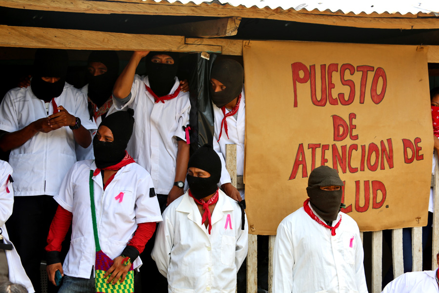essay on zapatista movement 1994: the zapatista uprising politics forces us sometimes to meet with our enemies, which says how little this movement embodies a critique of politics.